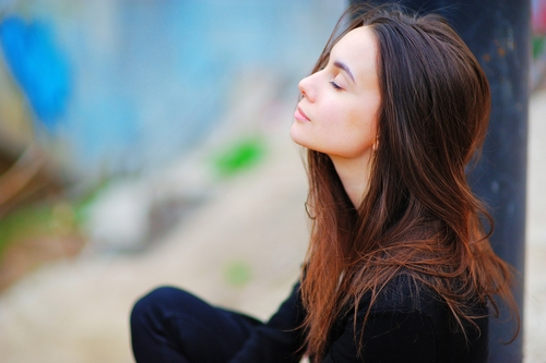 How Can We Apply Mindfulness to Help Us Overcome Addictive Urges?